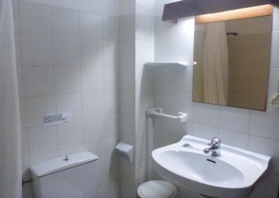 1t-bath-room-noa1