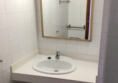 7-bathroom-no-21