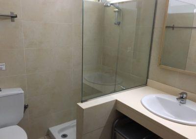 7-schower-bathroom-no13