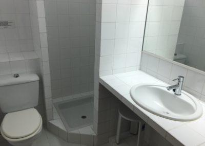 8-bath-bathroom-no18