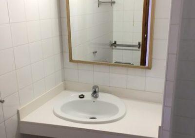 8-schower-bathroom-no19