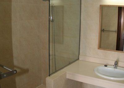 9-schower-bathroom-no5