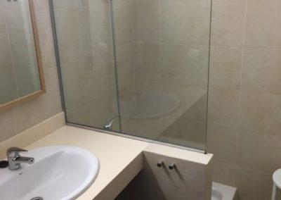 9-schower-bathroom-no9